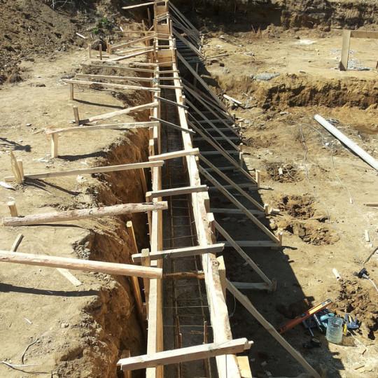 Опалубка для стены из бетона