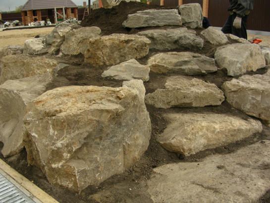 Подбираем камни для альпийской горки