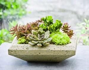 Каменный вазон