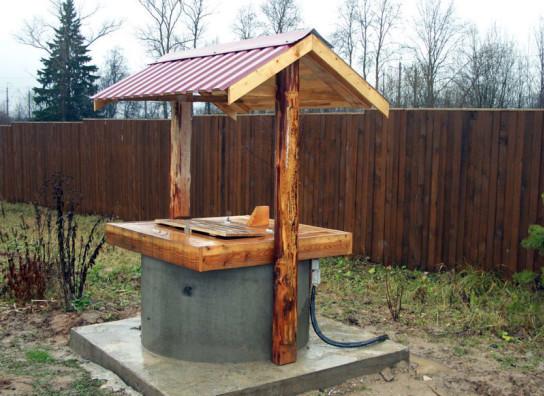 домик для колодца из подручных материалов