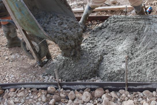 дорожки из бетона на даче