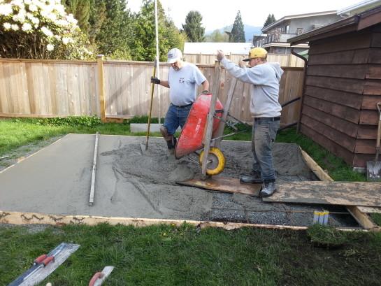 как залить бетонную площадку под автомобиль