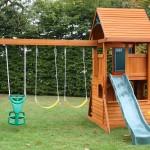 Детский домик на загородном участке
